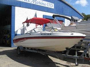 20′ Chapparal Bow Rider w/5.0/220HP Mercruiser – Lake Winnipesaukee Boat Rentals